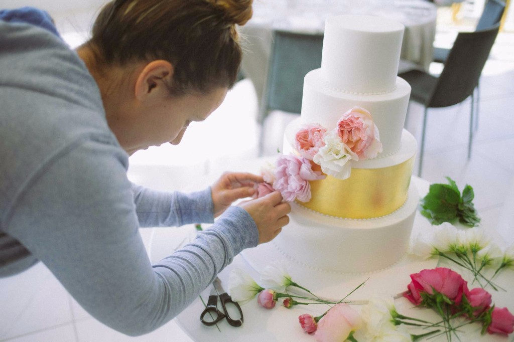 A Guide to Buying Wedding Cakes by Splendid Servings